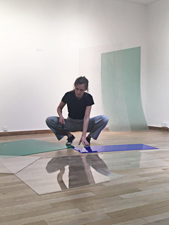 Léa Dumayet Performance / Installation / Plexiglass